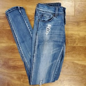 2/$15 light wash distressed ripped skinny jeans